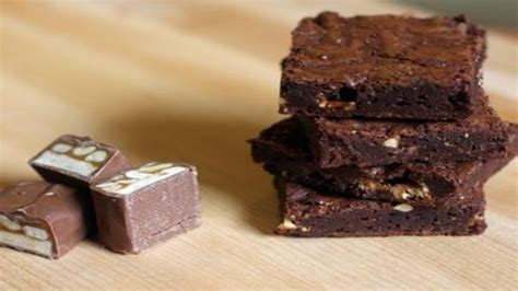 Snickers Chocolate Brownies | Recipes | Food Network UK