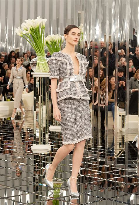 CHANEL SPRING SUMMER 2017 HAUTE COUTURE COLLECTION | The