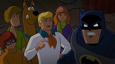 """The Scooby Gang Visit Arkham Asylum in Newest """"Scooby-Doo"""