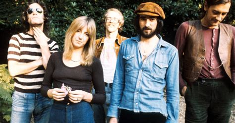 Fleetwood Mac Flak: Manager Takes Name, Not Members, On