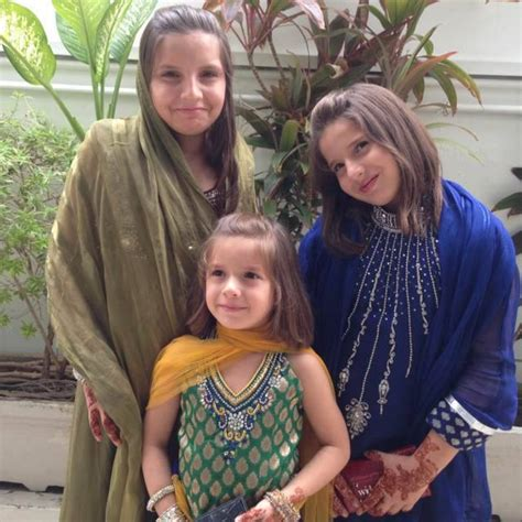 Shahid Afridi and His Family Pictures, Images - Latest