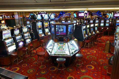 Casino Royale Independence of the Seas | CruiseBe