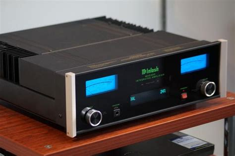 McIntosh MA-5300 Now in Store - Wellington | The Listening