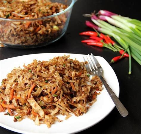 Vegetable Kottu Roti (Flat bread pieces mixed with spicy