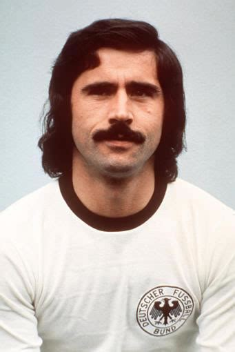Gerd Müller Life Story ~ Biography Collection