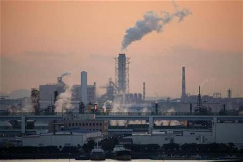 Japan Reports Better Factory Output, Lower Manufacturing