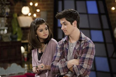 Selena Gomez and David Henrie Announce 'Wizards of Waverly